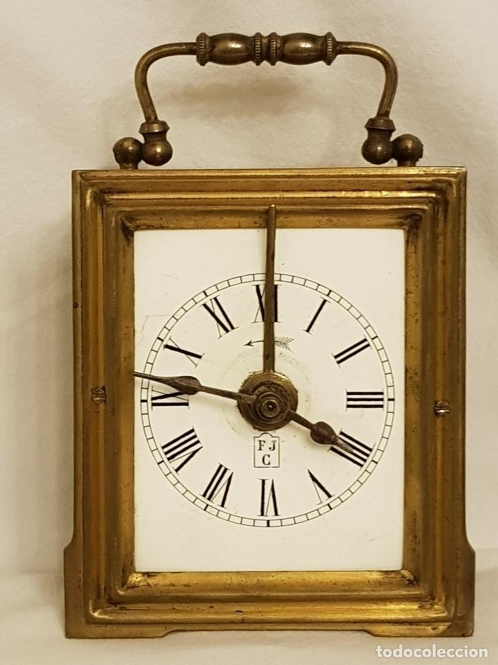 RELOJ PORTÁTIL DE CARRUAJE FRANCÉS. MARCA FJC. SIGLO XIX (Relojes - Sobremesa Carga Manual)