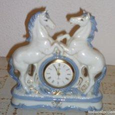 Relojes de carga manual: ANTIGUO RELOJ CUERDA LANDEX ROYAL CRAFT DE CERAMICA. Lote 116999227