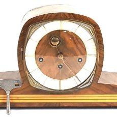 Relojes de carga manual: RELOJ DE SOBREMESA HUBNER. MADERA Y METAL. MAQUINARIA FHS. ALEMANIA. SIGLO XX. Lote 118517347
