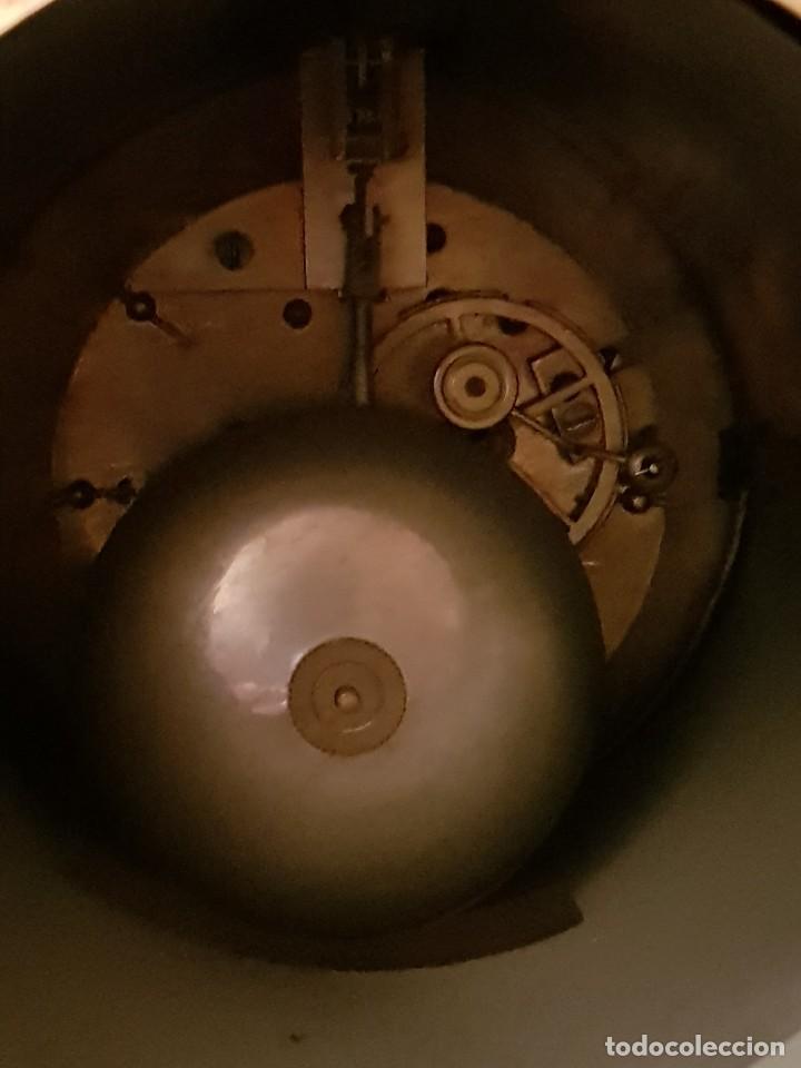 Relojes de carga manual: Reloj de chimenea francés 1875. Mármol negro y bronce con escultura del Moisés de Miguel Ángel - Foto 7 - 119310307