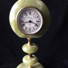 Relojes de carga manual: PRECIOSO RELOJ DE MÁRMOL VERDE CON ALARMA. Lote 120413135