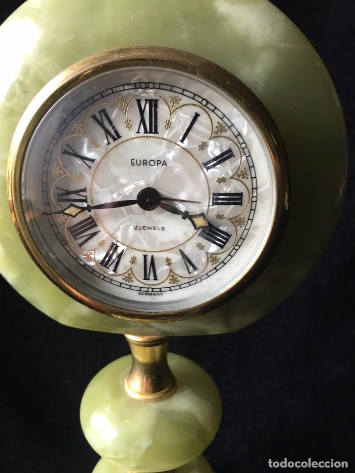 Relojes de carga manual: PRECIOSO RELOJ DE MÁRMOL VERDE CON ALARMA - Foto 2 - 120413135