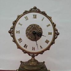 Relojes de carga manual: ANTIGUO RELOJ METÁLICO DE SOBREMESA. MÁQUINA ELECTRÓNICA KIENZLE CHRONOQUARTZ.. Lote 119536267