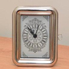 Relojes de carga manual: RELOJ DE SOBREMESA DE PILA - PLATA DE LEY. Lote 120796003
