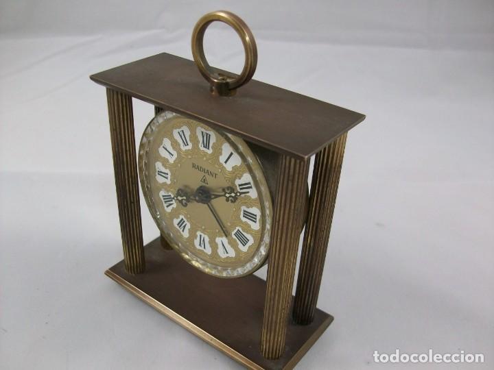 Relojes de carga manual: RELOJ DE SOBREMESA. BRONCE. FUNCIONA PERFECTAMENTE. MANUAL. ANTIGÜEDAD. - Foto 3 - 120942607