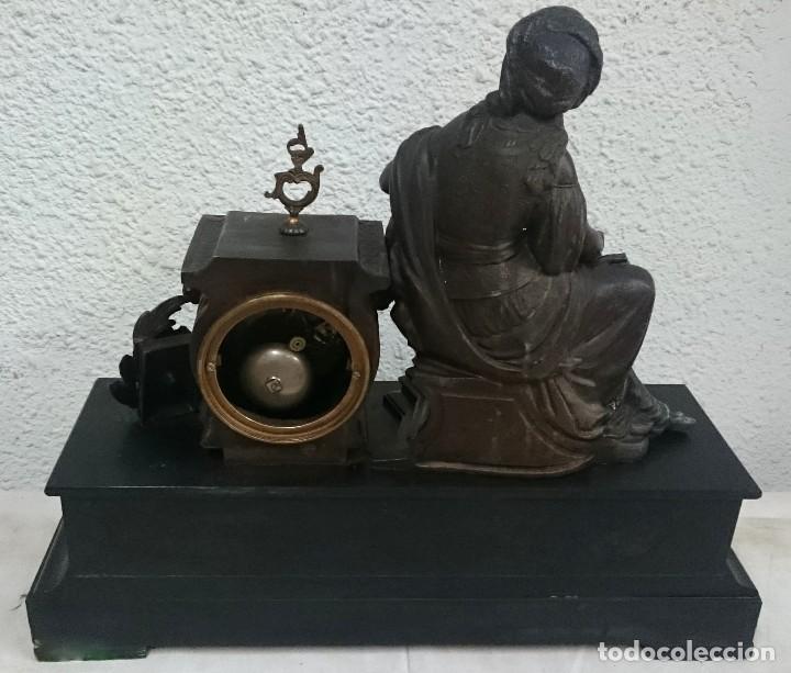 Relojes de carga manual: Antiguo reloj Napoleón III, bronce, Diosa Clío, maquinaria viejo parís. 51x47x17cm. Perfecto. - Foto 4 - 121168419