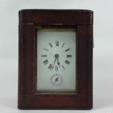 Relojes de carga manual: RELOJ DE MESA CON CAJA. LATÓN Y MADERA. FRANCIA. CIRCA SIGLO XIX.. Lote 121841427