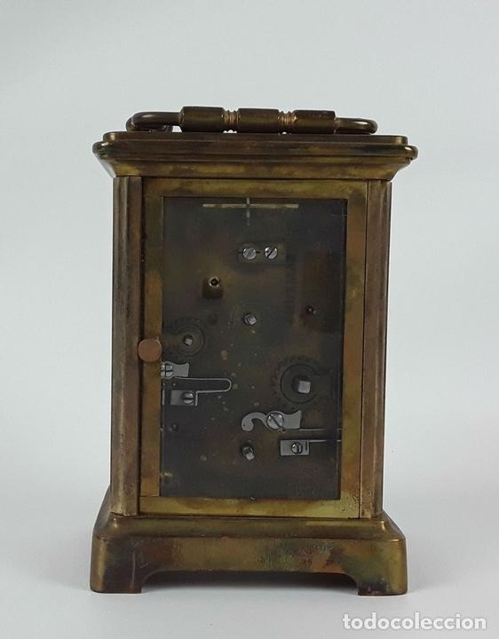Relojes de carga manual: RELOJ DE MESA CON CAJA. LATÓN Y MADERA. FRANCIA. CIRCA SIGLO XIX. - Foto 6 - 121841427