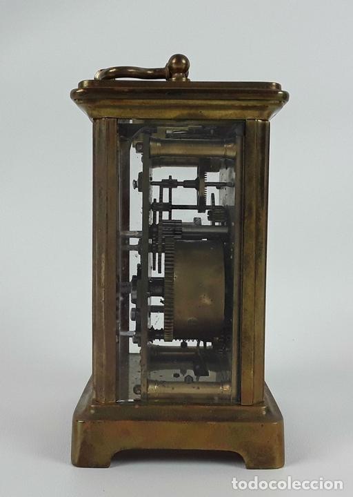 Relojes de carga manual: RELOJ DE MESA CON CAJA. LATÓN Y MADERA. FRANCIA. CIRCA SIGLO XIX. - Foto 8 - 121841427