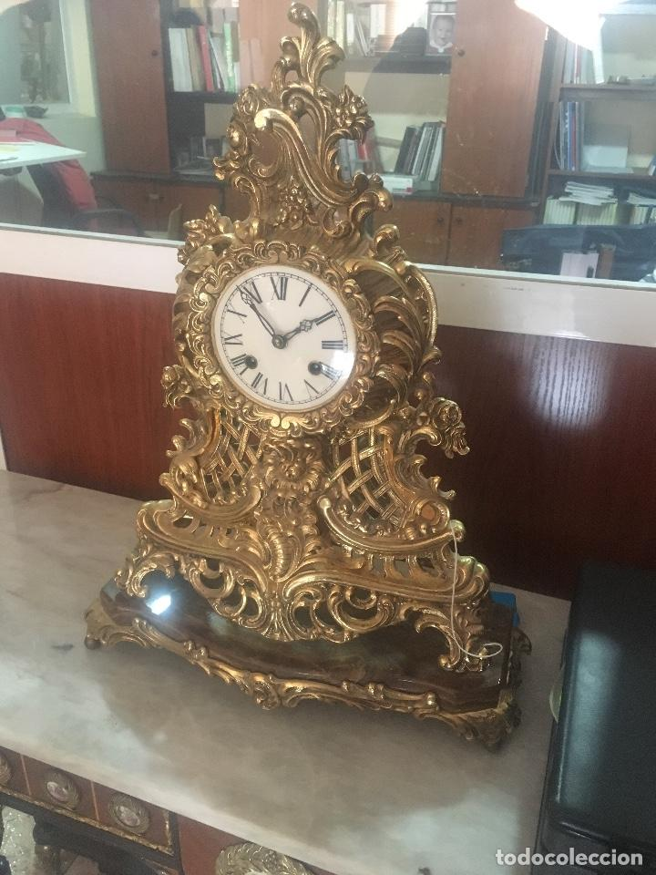 Relojes de carga manual: RELOJ DE BRONCE CON PEANA DE MARMOL. MARIE ANTOINETTE. 54X40CM - Foto 2 - 122094395
