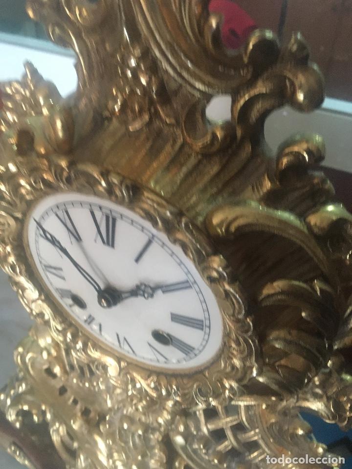 Relojes de carga manual: RELOJ DE BRONCE CON PEANA DE MARMOL. MARIE ANTOINETTE. 54X40CM - Foto 3 - 122094395