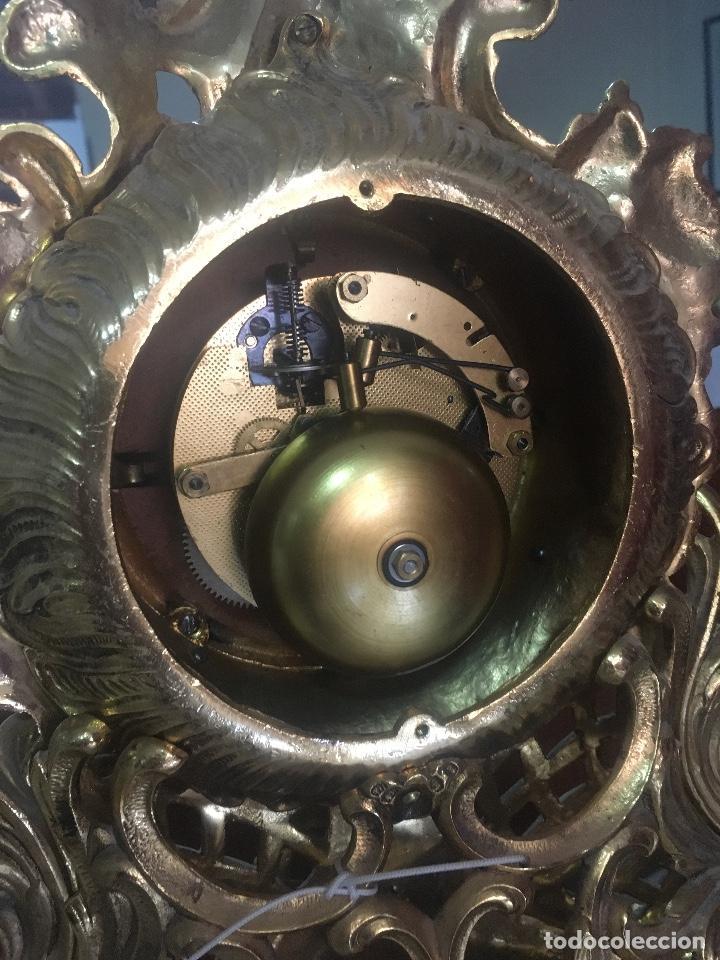 Relojes de carga manual: RELOJ DE BRONCE CON PEANA DE MARMOL. MARIE ANTOINETTE. 54X40CM - Foto 4 - 122094395