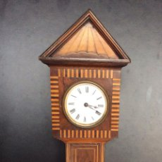 Relojes de carga manual: RELOJ EN FORMA BIG BEN ,EN MADERA NOBLE CON MARQUETERIA ,ALTURA 40 CM, . Lote 122227975