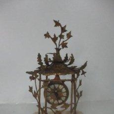 Relojes de carga manual: CURIOSO RELOJ DE SOBREMESA - CARGA MANUAL - BRONCE - FUNCIONA - COMPLETO. Lote 123124491