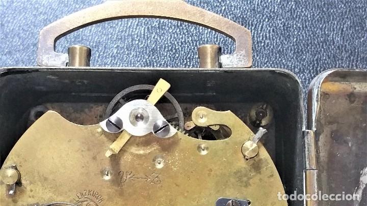 Relojes de carga manual: x2: LENZKIRCH AGU 1 MILLION ALARMA 1.890 GERMANI + CLÁSICO CAMPANAS LATÓN MECÁNICO CHECOSLOVAQUIA - Foto 27 - 104801079