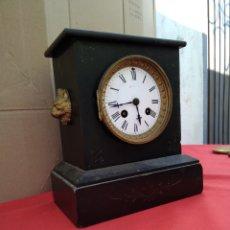 Relojes de carga manual: ANTIGUO RELOJ FRANCÉS NAPOLEÓN MÁRMOL NEGRO Y BRONCE SIGLO XIX. Lote 125233080