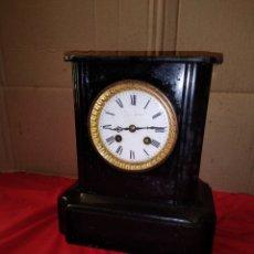 Relojes de carga manual: ANTIGUO RELOJ FRANCÉS SIGLO XLX MÁRMOL NEGRO. Lote 125235492