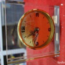 Relojes de carga manual: RELOJ DE SOBREMESA DE METRAQUILATO DE LOS AÑOS 70 NUEVO A ESTRENAR. Lote 125420415