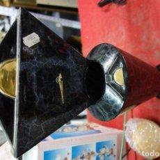 Relojes de carga manual: RELOJ DE PORCELANA DE DISEÑO DE LOS AÑOS 70 NUEVO A ESTRENAR. Lote 125424895