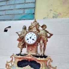 Relojes de carga manual: ANTIGUO RELOJ FRANCÉS SIGLO XIX CALAMINA BAÑADA EN BRONCE CON DETALLES EN MÁRMOL NEGRO. Lote 125449471