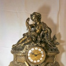Relojes de carga manual: GRAN RELOJ DORADO SOBREMESA. Lote 118006379