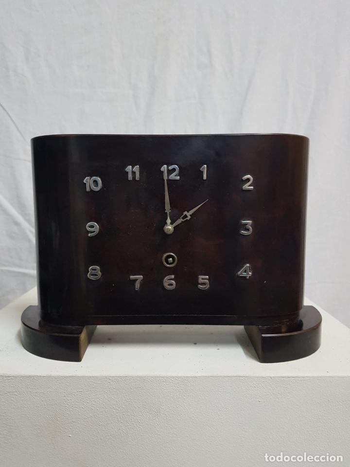 RELOJ DE SOBREMESA DE MADERA (Relojes - Sobremesa Carga Manual)
