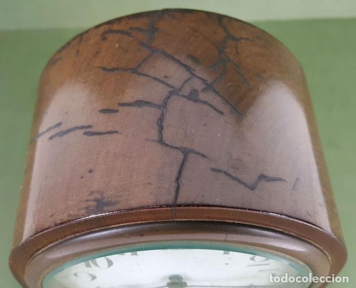 Relojes de carga manual: RELOJ DE SOBREMESA. MADERA DE CAOBA. SUIZA. CIRCA 1940. - Foto 2 - 127988863