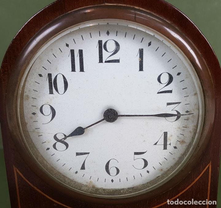 Relojes de carga manual: RELOJ DE SOBREMESA. MADERA DE CAOBA. SUIZA. CIRCA 1940. - Foto 3 - 127988863