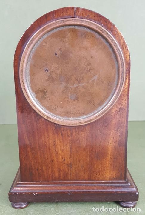 Relojes de carga manual: RELOJ DE SOBREMESA. MADERA DE CAOBA. SUIZA. CIRCA 1940. - Foto 7 - 127988863