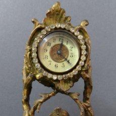 Relojes de carga manual: RELOJ DE SOBREMESA EN BRONCE DORADO FRANCÉS FINALES DEL SIGLO XIX NO FUNCIONA. Lote 129236759