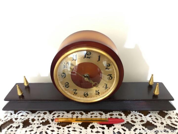 Relojes de carga manual: Reloj vintage sobremesa, Ruso, Verna. Años 60 - Foto 2 - 130118826