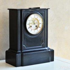Relojes de carga manual: RELOJ FRANCES DE MARMOL NEGRO NAPOLEON III IMPERIO CON ESCAPE VISTO RELOJ SOBREMESA NOTARIO GRANDE. Lote 130593566