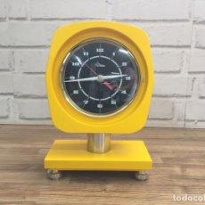 Relojes de carga manual: RELOJ PURE VINTAGE GIALLO BY DIAMANTINI E DOMENICONI ITALIA 1973 NUEVO A ESTRENAR 16X24 CM, PREMIO. Lote 130645194