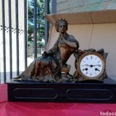 Relojes de carga manual: RELOJ FRANCÉS MÁRMOL Y CALAMINA SIGLO XIX. Lote 130872035