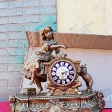 Relojes de carga manual: MAGNÍFICO RELOJ FRANCÉS SIGLO XIX ESFERA DE PORCELANA CARAS DE CARNEROS MUY RARO. Lote 130873352