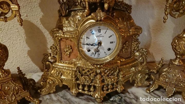 Relojes de carga manual: ANTIGUO RELOJ Y CANDELABROS BRONCE - Foto 2 - 132245246