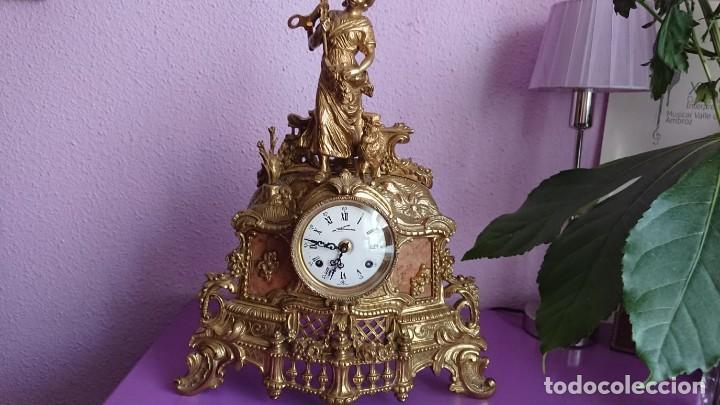 Relojes de carga manual: ANTIGUO RELOJ Y CANDELABROS BRONCE - Foto 3 - 132245246