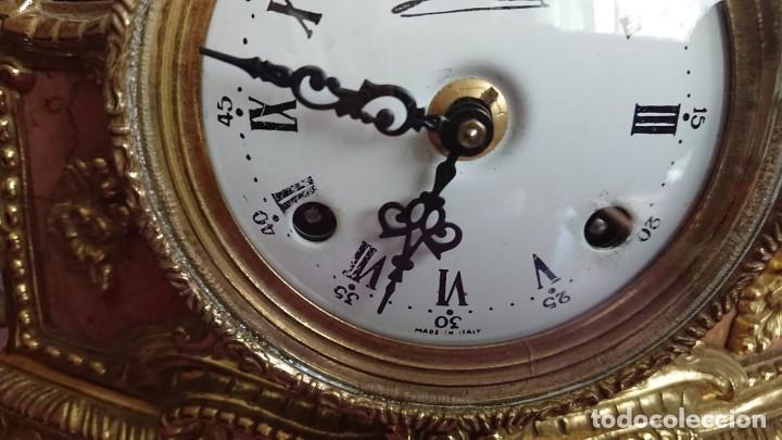 Relojes de carga manual: ANTIGUO RELOJ Y CANDELABROS BRONCE - Foto 5 - 132245246