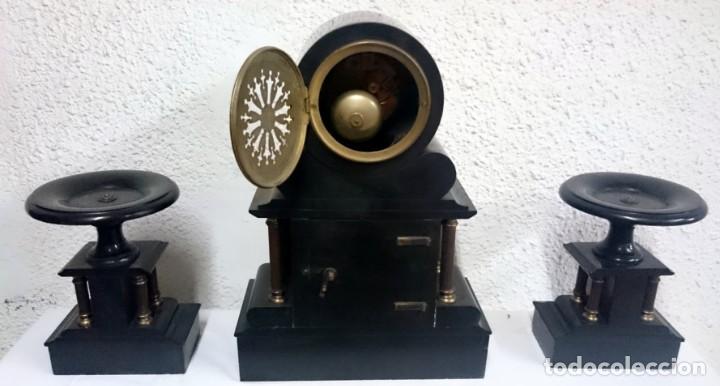 Relojes de carga manual: Espectacular reloj con copas, guarnición. Napoleón III, Imperio original. Péndulo mercurio. Funciona - Foto 4 - 132389370
