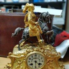 Relojes de carga manual: RELOJ DE SOBREMESA CON BAÑO DE ORO FINO. FUNCIONANDO. Lote 133093566