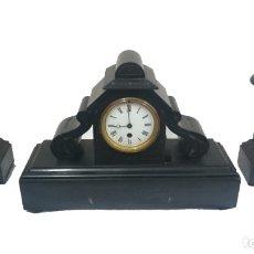 Relojes de carga manual: ESPECTACULAR GUARNICIÓN, RELOJ, CANDELABROS NAPOLEÓN III, IMPERIO. MÁRMOL NEGRO. SIGLO XIX. ORIGINAL. Lote 121166351