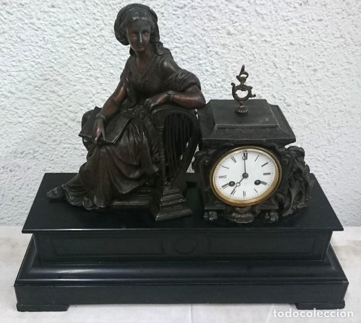 Relojes de carga manual: Antiguo reloj Napoleón III, bronce, Diosa Clío, maquinaria viejo parís. 51x47x17cm. Perfecto. - Foto 2 - 121168419