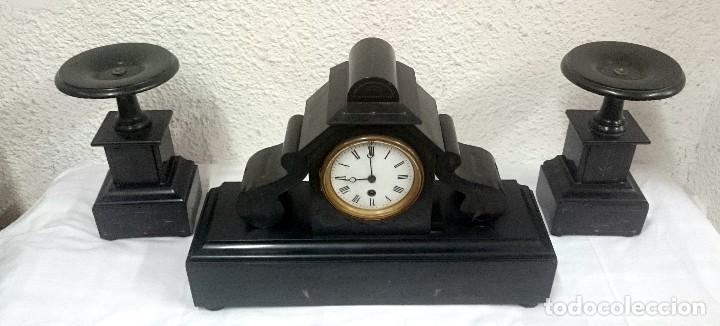 Relojes de carga manual: Espectacular guarnición, reloj, candelabros Napoleón III, Imperio. Mármol negro. Siglo XIX. Original - Foto 2 - 121166351
