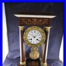 Relojes de carga manual: RELOJ PORTICO CARLOS X CON MARQUETERIA Y BRONCE DORADO AL MERCURIO. Lote 136127162