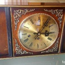 Relojes de carga manual - Reloj antiguo alemán sobremesa-chimenea, con sonería en cuartos de hora distintas y horas; 3 cuerdas - 136567638