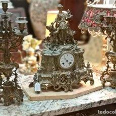 Relojes de carga manual: JUEGO RELOJ Y CANDELABROS. Lote 136679506