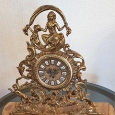 Relojes de carga manual: RELOJ DE BRONCE DE CUERDA. ESTÁ PARADO.. Lote 137261054