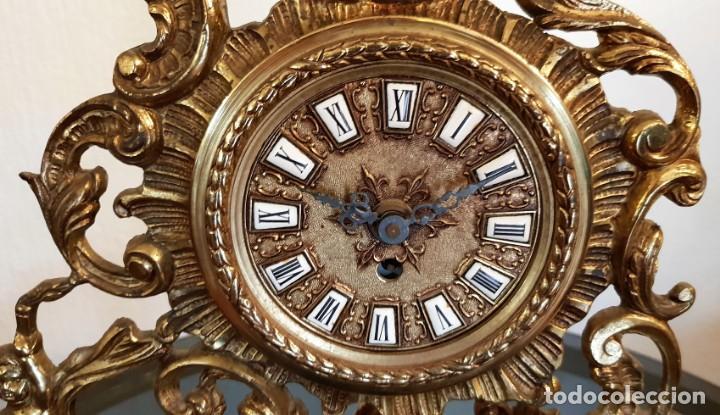 Relojes de carga manual: Reloj de bronce de cuerda. Está parado. - Foto 3 - 137261054