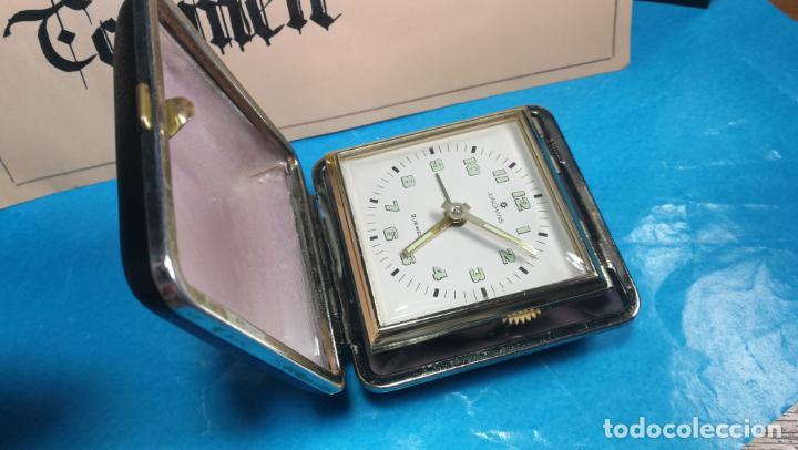 Relojes de carga manual: Botito y antique reloj despertador de viaje JUNGHANS , funcionando - Foto 9 - 140283502