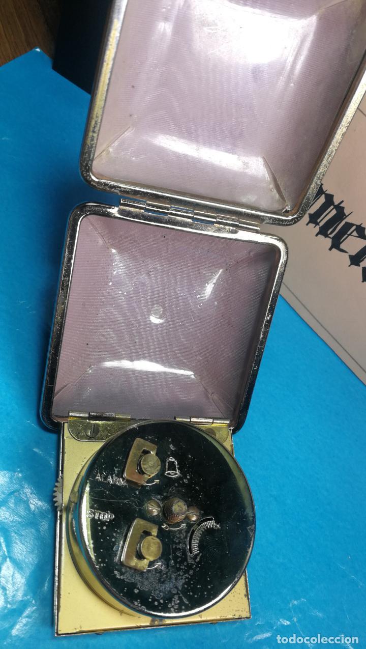 Relojes de carga manual: Botito y antique reloj despertador de viaje JUNGHANS , funcionando - Foto 17 - 140283502